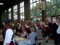 einzug_der_trachtenkapelle_linnenbach